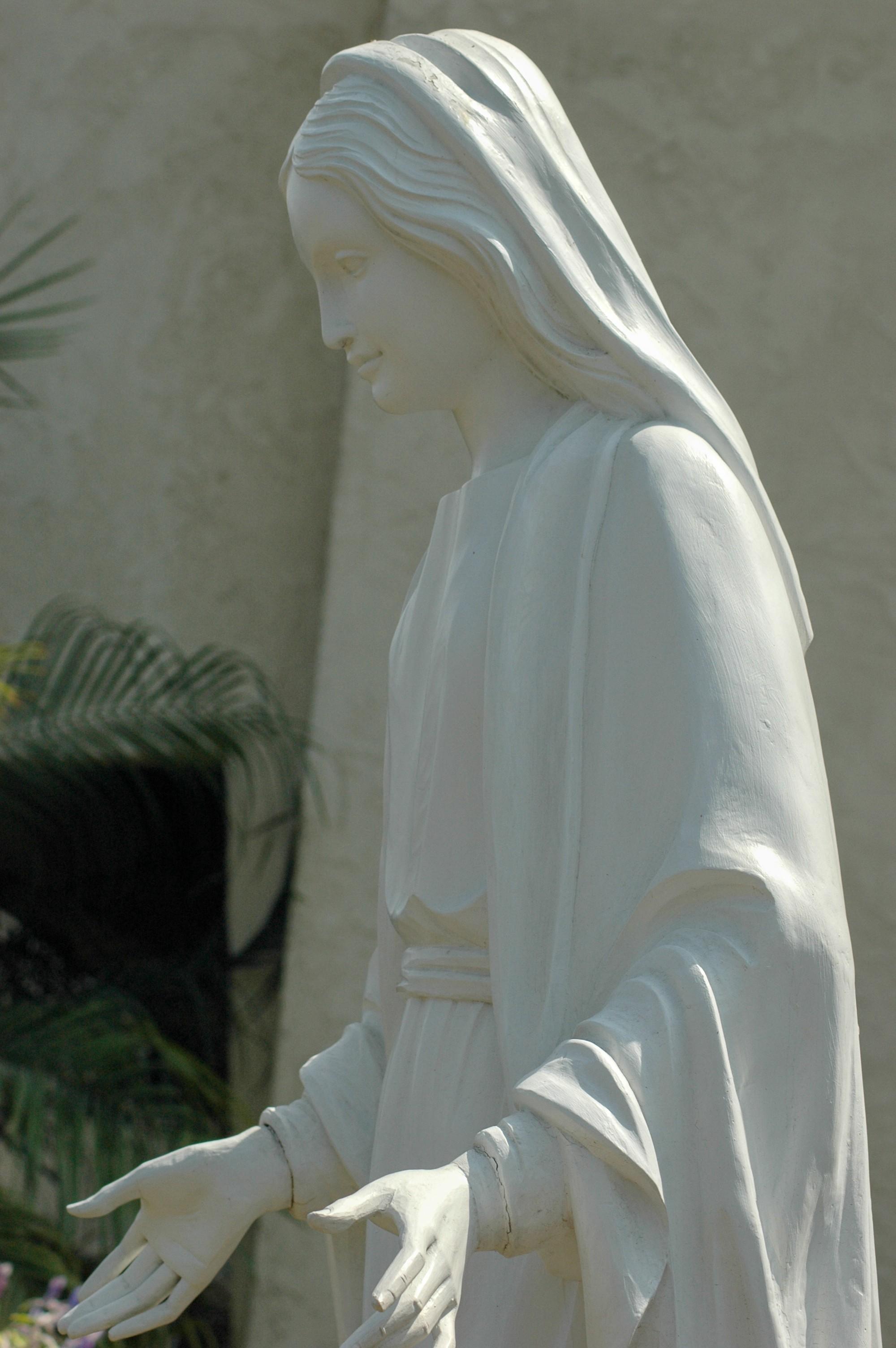 Mary4